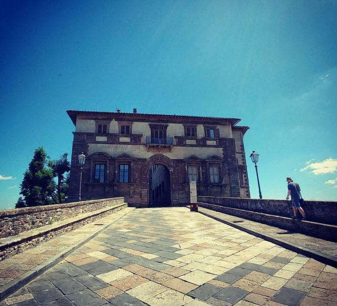 toscana-italy-colle-di-val-elsa-siena-castello
