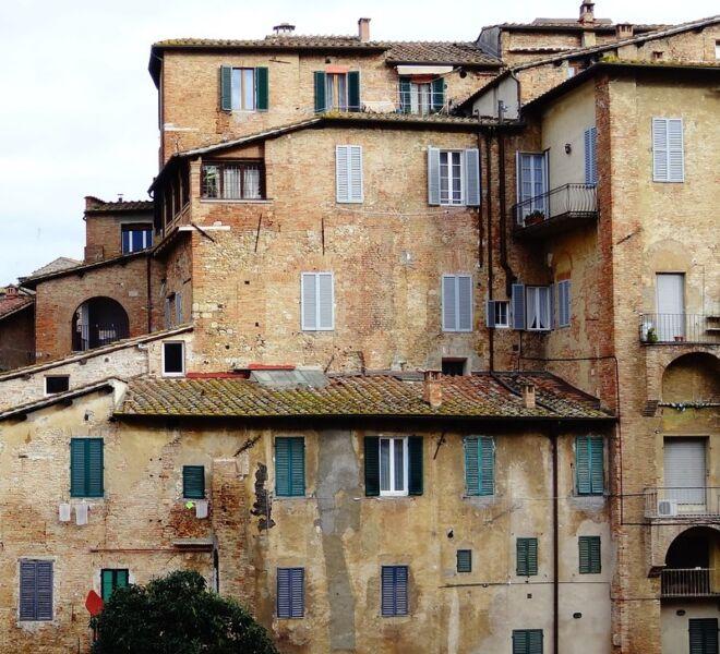 tour of secret Siena: old houses