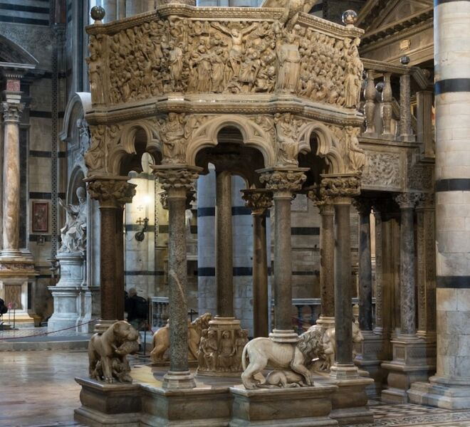 guided tour of Siena: pulpit in the cathedral