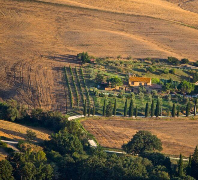 guided tour of Tuscany: farmhouse