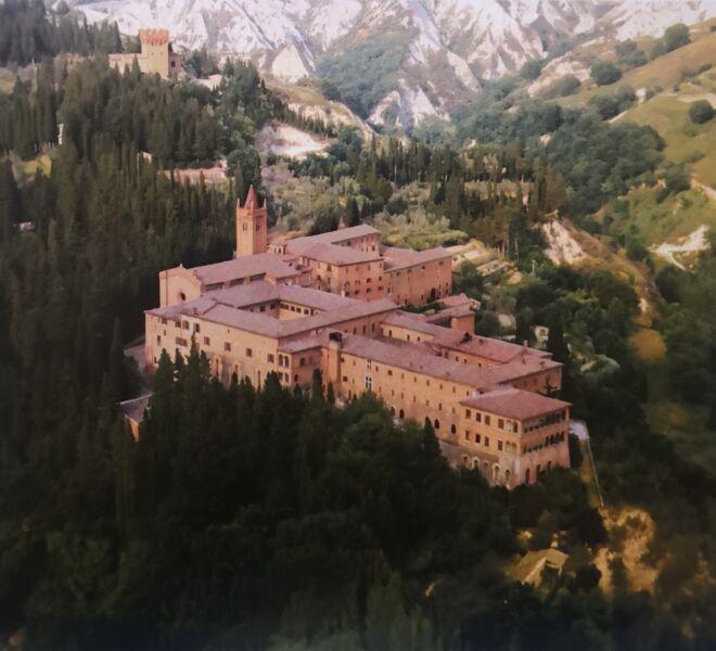 Abbeys and Monasteries in Tuscany: Monte Oliveto Maggiore