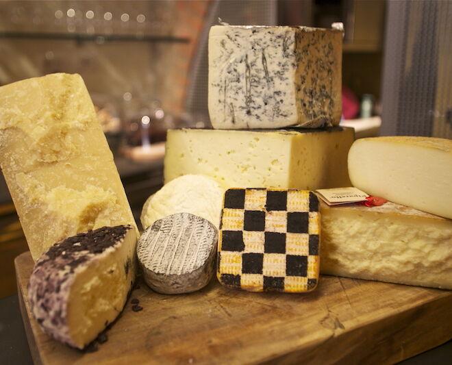 Degustazione formaggi: selezione pecorini toscani
